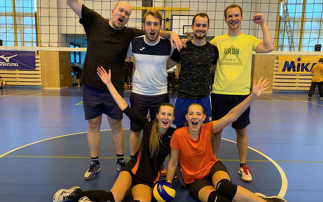 První turnaj Vysokoškolské volejbalové ligy vPlzni navštívila Česká televize